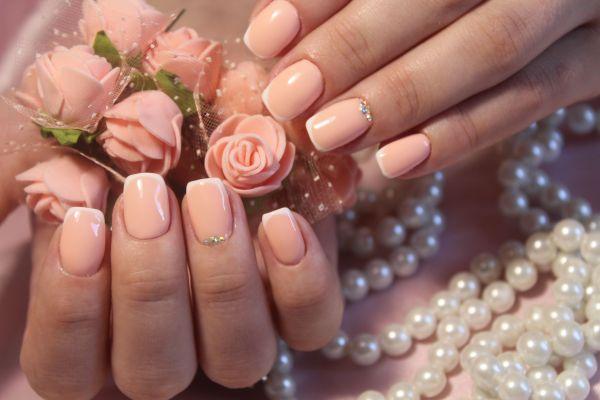 modèle d'ongles pour mariage