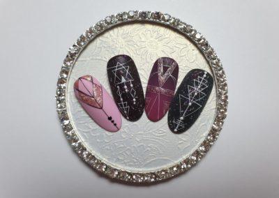 Formation Nail Art TRAITS FINS GEOMETRIQUES 180€ 1 jour